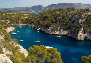 The rocky inlet of Cassis