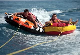 Engins tractés, ski nautique et wake, parachute ascensionnel