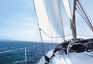 Rental of motor boats and sailboats