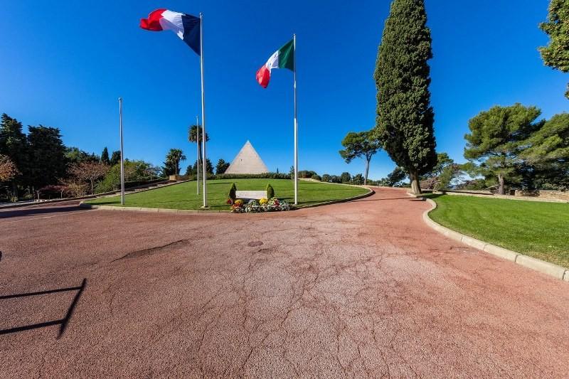 Cimetière franco italien St Mandrier courir à St Mandrier Faire un parcours sportif course à pied Saint Mandrier