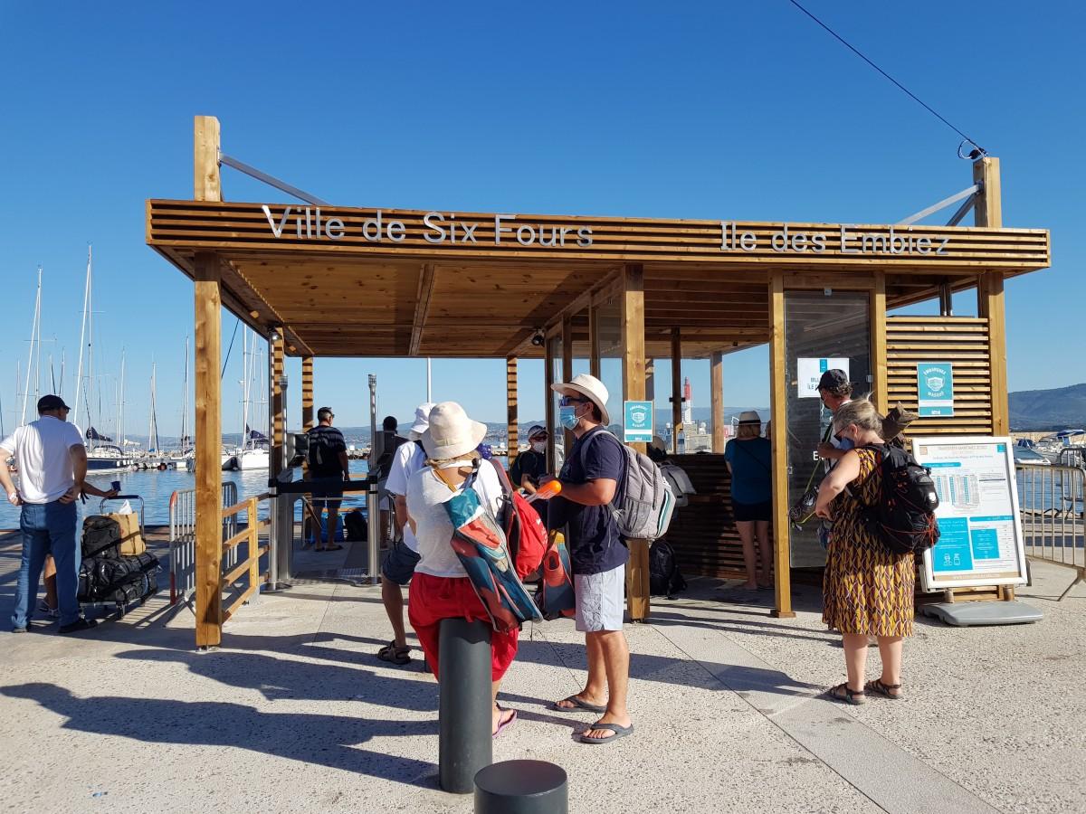 Embarcadère sur l'île des Embiez - Port du Brusc - Traversée embier - bac