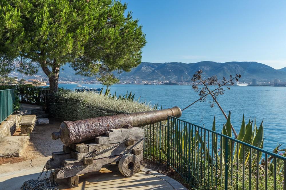 Fort Balaguier, vue sur la rade de Toulon