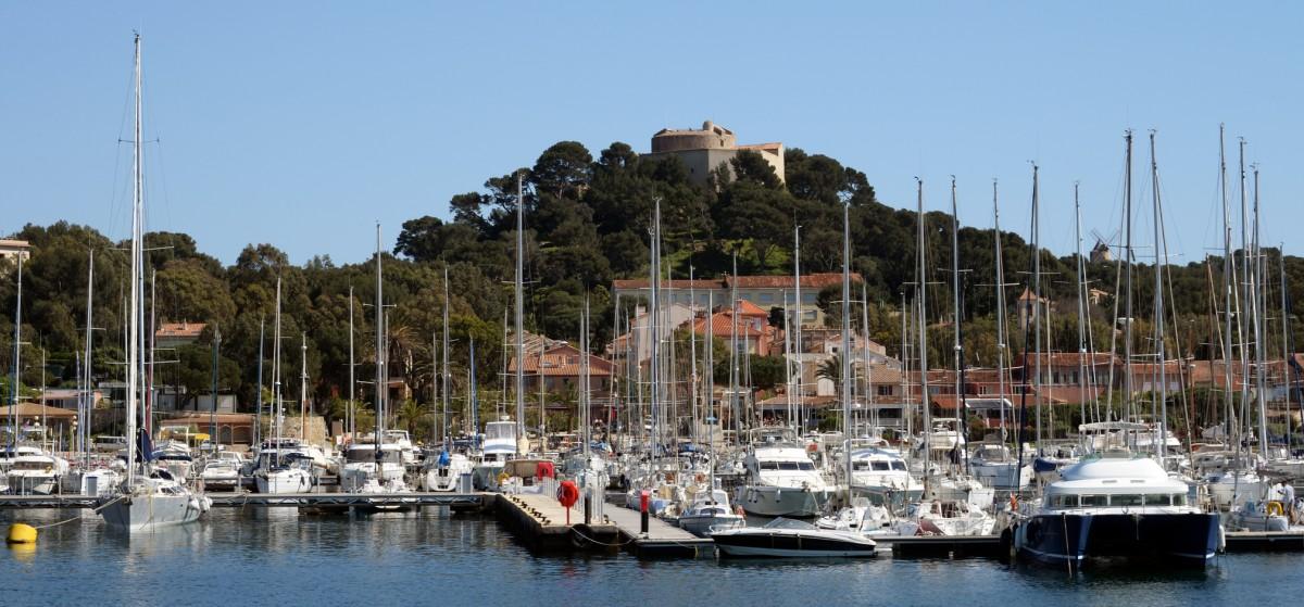 Le Village et le port