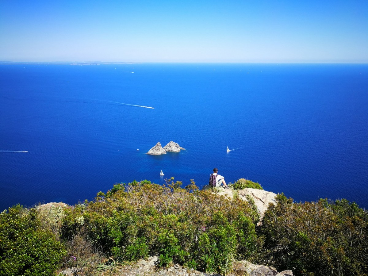 Les 2 Frères vus du Cap Sicié se ressourcer regahrger ses batterie point de vue vue mer energie de la mer