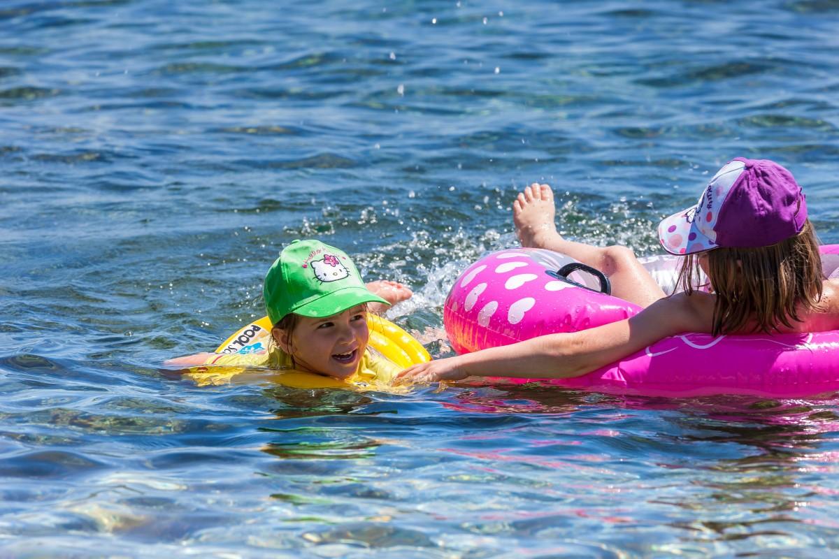 Plage Mer Six Fours famille vacances mediterranée Var