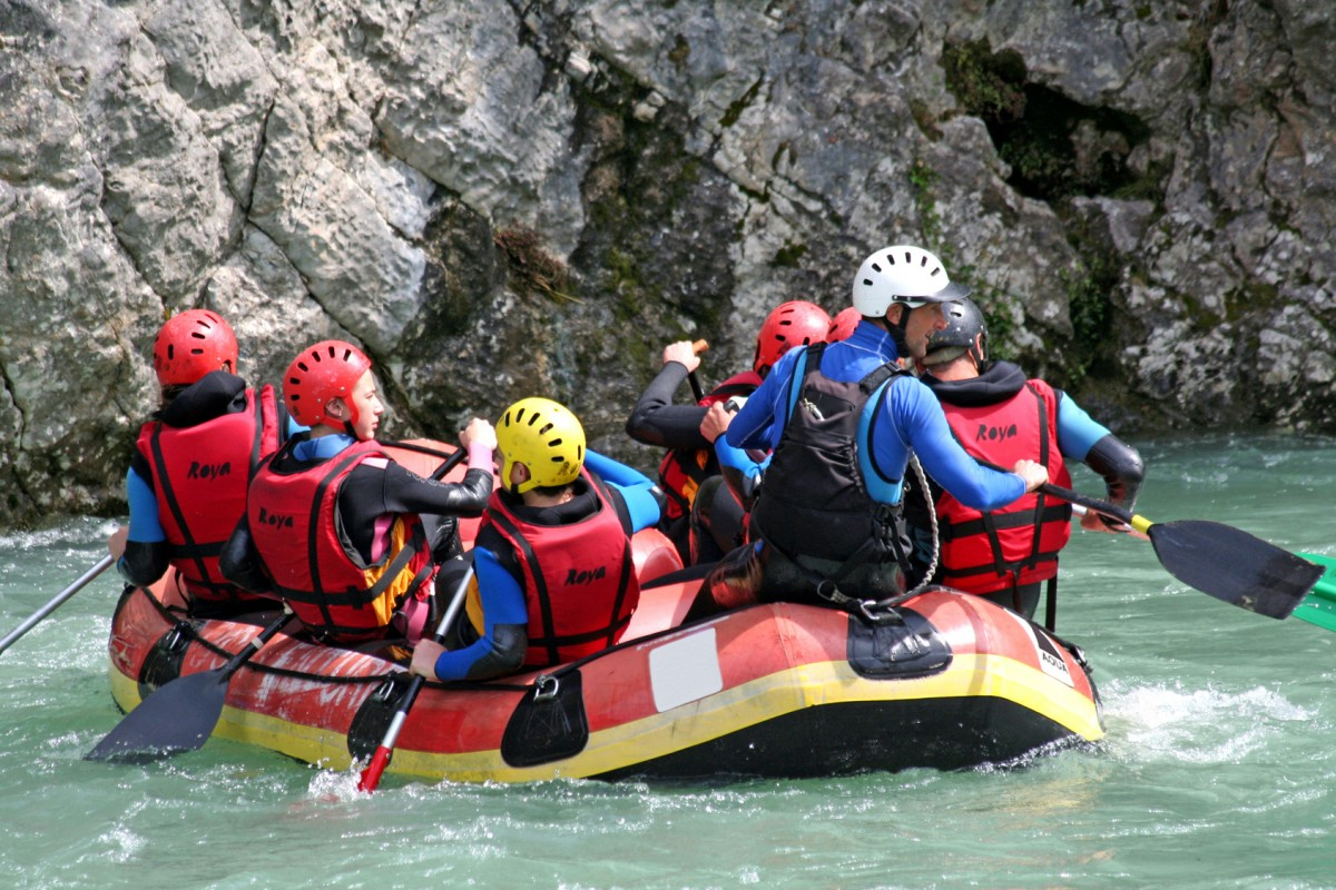 Rafting dans le Verdon Canyoning Eaux vives kayak via ferrata escalade parapente