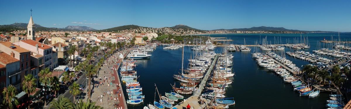Vue aérienne sanary port famille village provençal charmant typique