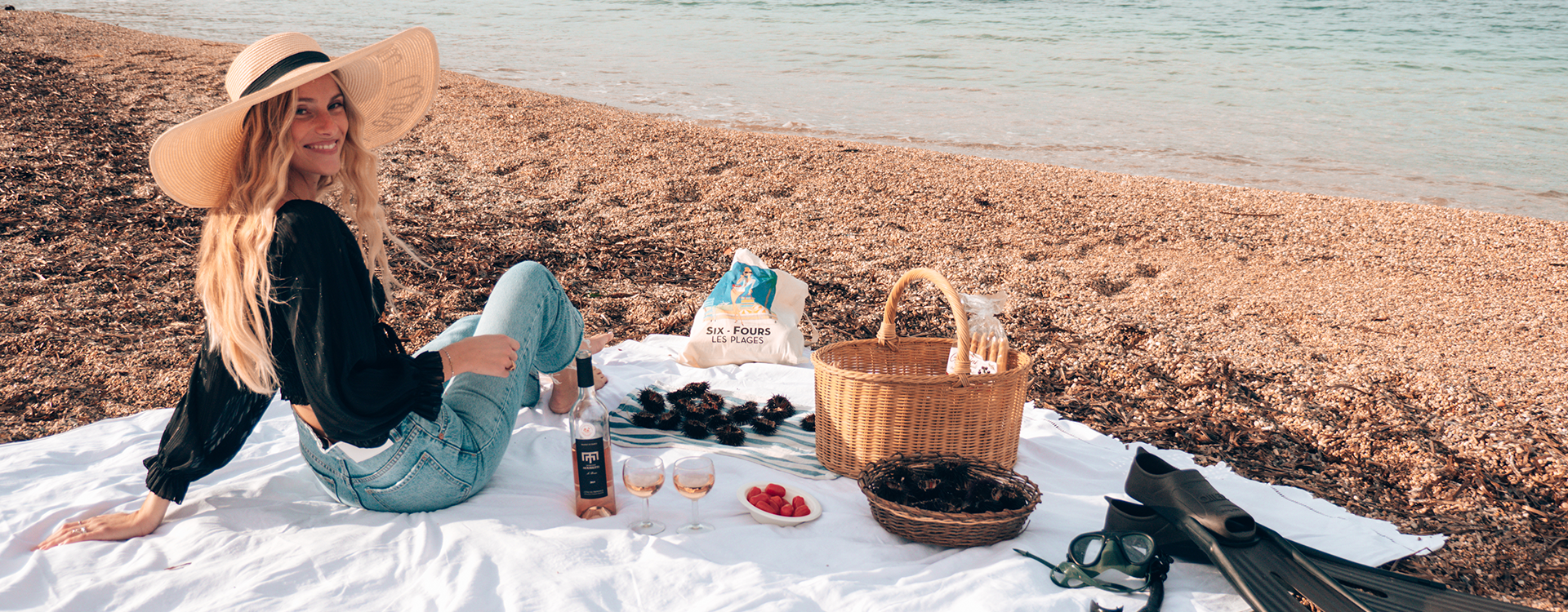Sea urchin tasting on the beach