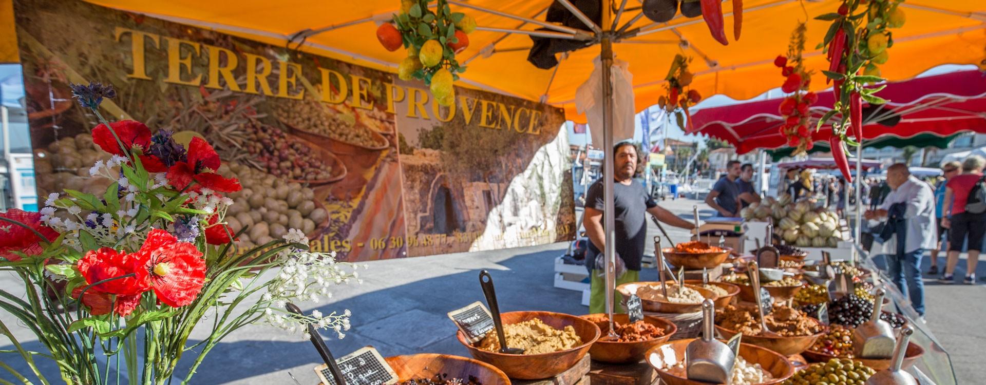 Le Brusc Provencal market