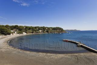 Fabregas black sand beach, La Seyne