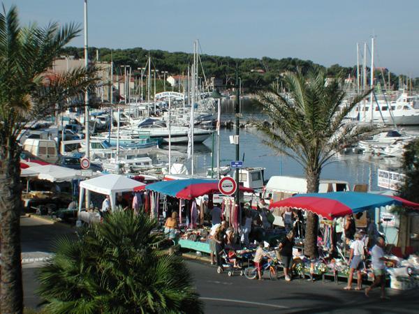 Marche port du brusc six fours les plages march - Office du tourisme de six fours ...
