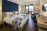 chambre-superieure-terrasse-vue-port-hotel-helios-ile-des-embiez-21584