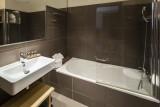 salle-de-bains-chambre-hotel-helios-ile-des-embiez-21592