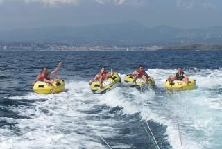 Banana boats - Jet 6