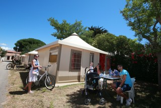 En route to the French Grand Prix Stay at campsite Campeole **