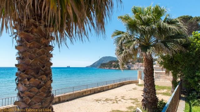 Hôtel Le Poseidon Les Sablettes -  accès plage