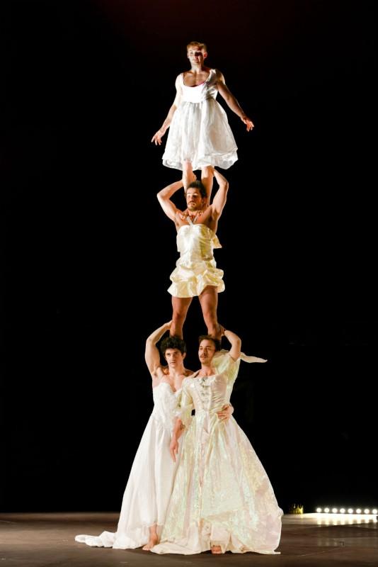 Cirque Forever Happily au chapiteau circoscène La Seyne